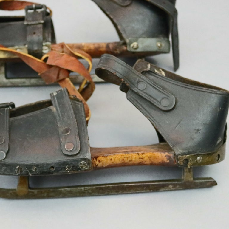 Pair of Antique Buckled Leather and Wood Ice Skates, 19th Century For Sale 3
