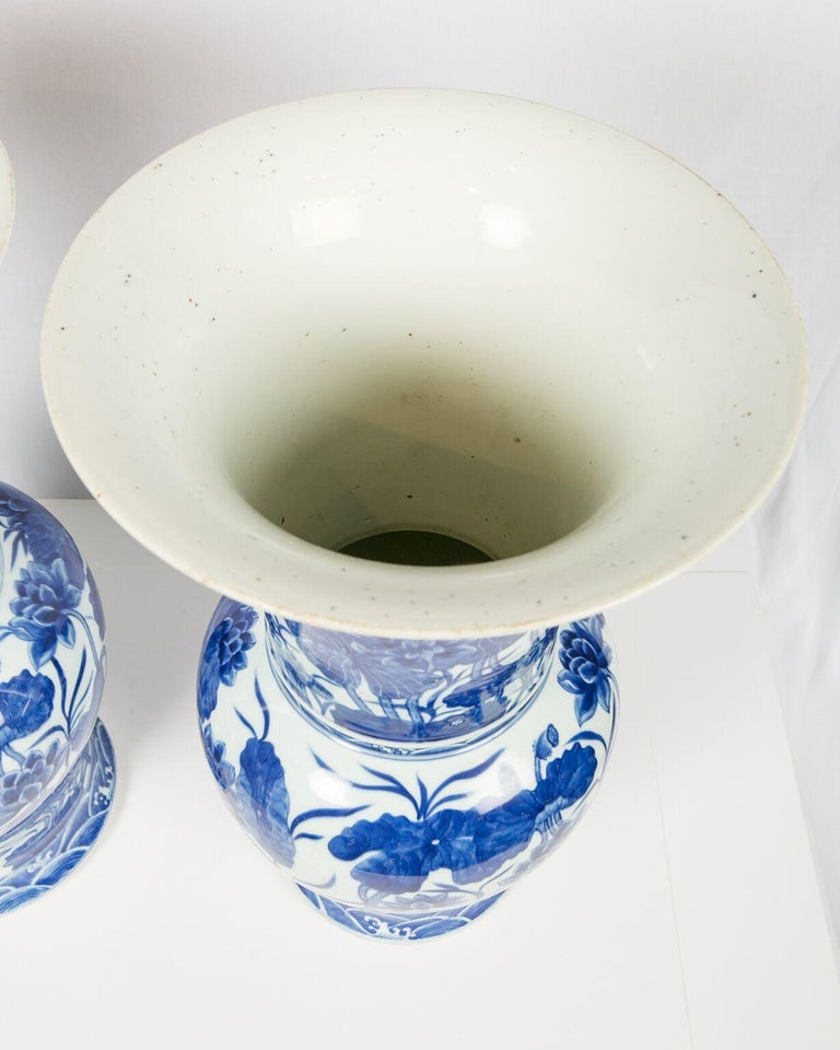 Pair of Antique Chinese Blue and White Porcelain Vases Qing Dynasty 19th Century For Sale 8