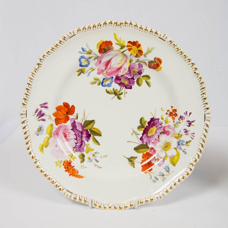 Pair of Antique Derby Dishes with Flowers Made in England, circa 1825 For Sale 2