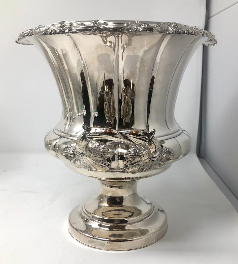 Antique English Sheffield Silver Plated Champagne Buckets, circa 1880-1890, Pair In Good Condition For Sale In New Orleans, LA