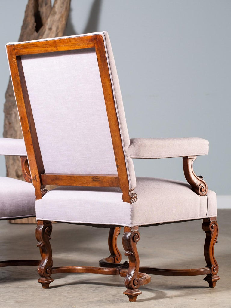Pair of Antique French Louis XIV Régence Walnut Chairs, circa 1875 For Sale 9