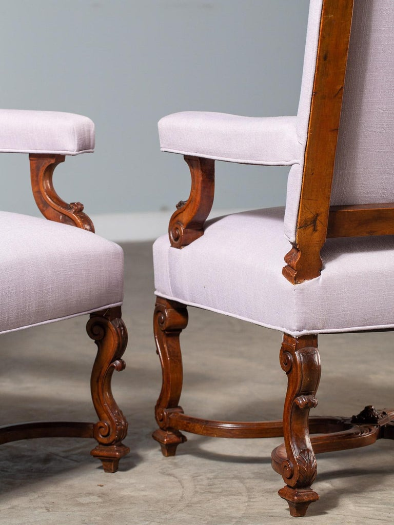 Pair of Antique French Louis XIV Régence Walnut Chairs, circa 1875 For Sale 12