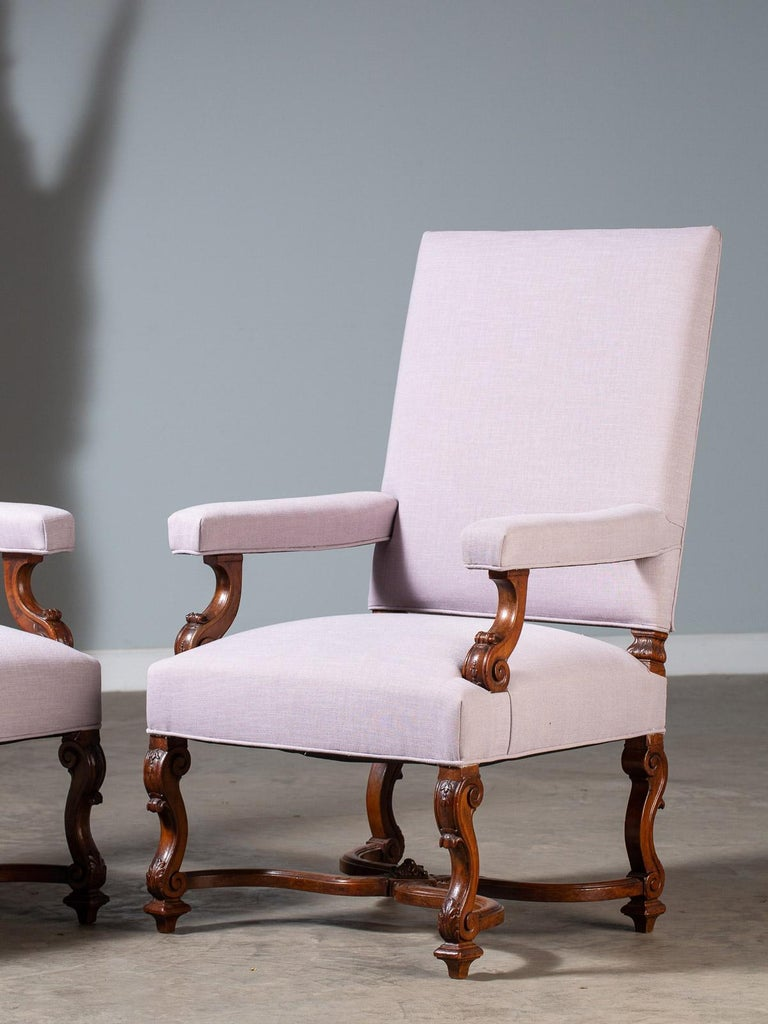 Pair of Antique French Louis XIV Régence Walnut Chairs, circa 1875 In Good Condition For Sale In Houston, TX