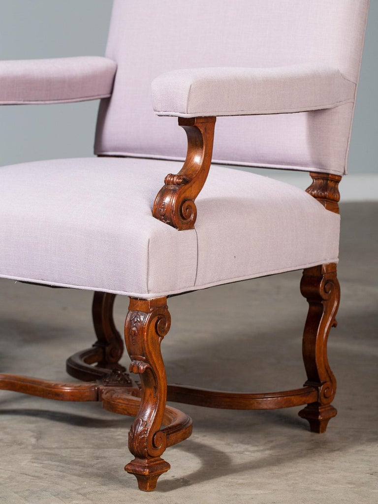 19th Century Pair of Antique French Louis XIV Régence Walnut Chairs, circa 1875 For Sale