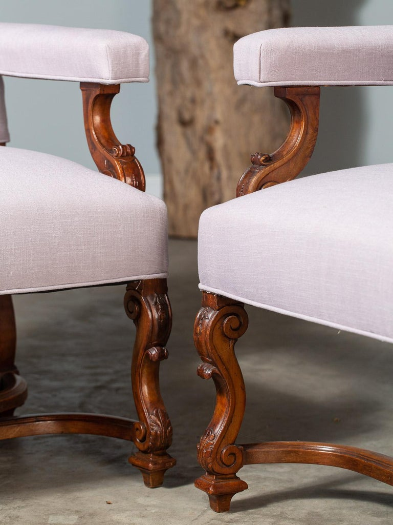 Pair of Antique French Louis XIV Régence Walnut Chairs, circa 1875 For Sale 1