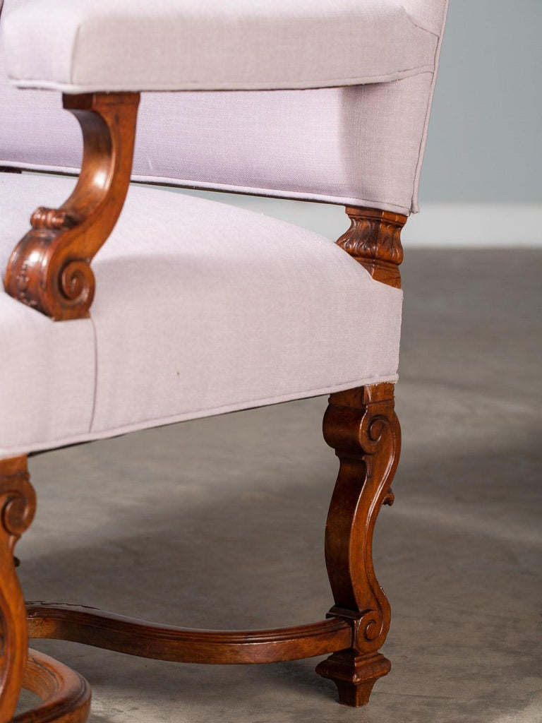 Pair of Antique French Louis XIV Régence Walnut Chairs, circa 1875 For Sale 2