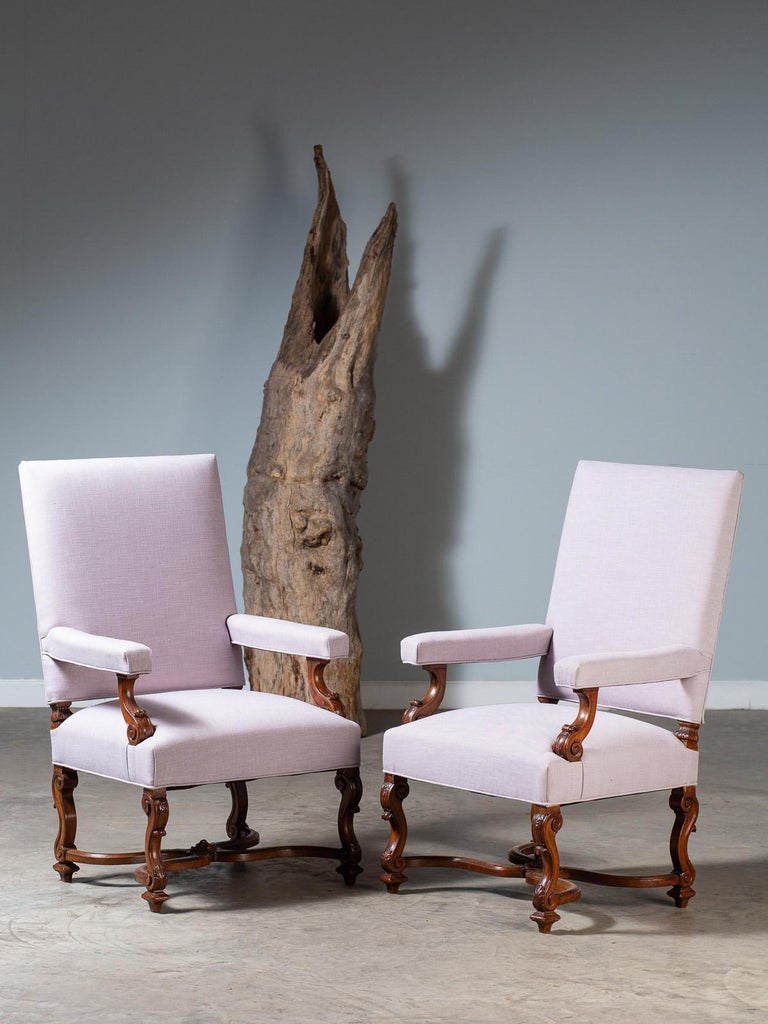 Pair of Antique French Louis XIV Régence Walnut Chairs, circa 1875 For Sale 4