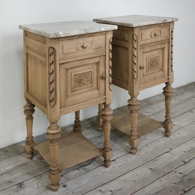 Hand-Carved Pair of Antique French Louis XVI Stripped Marble Top Nightstands For Sale
