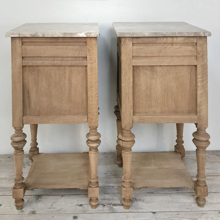 20th Century Pair of Antique French Louis XVI Stripped Marble Top Nightstands For Sale