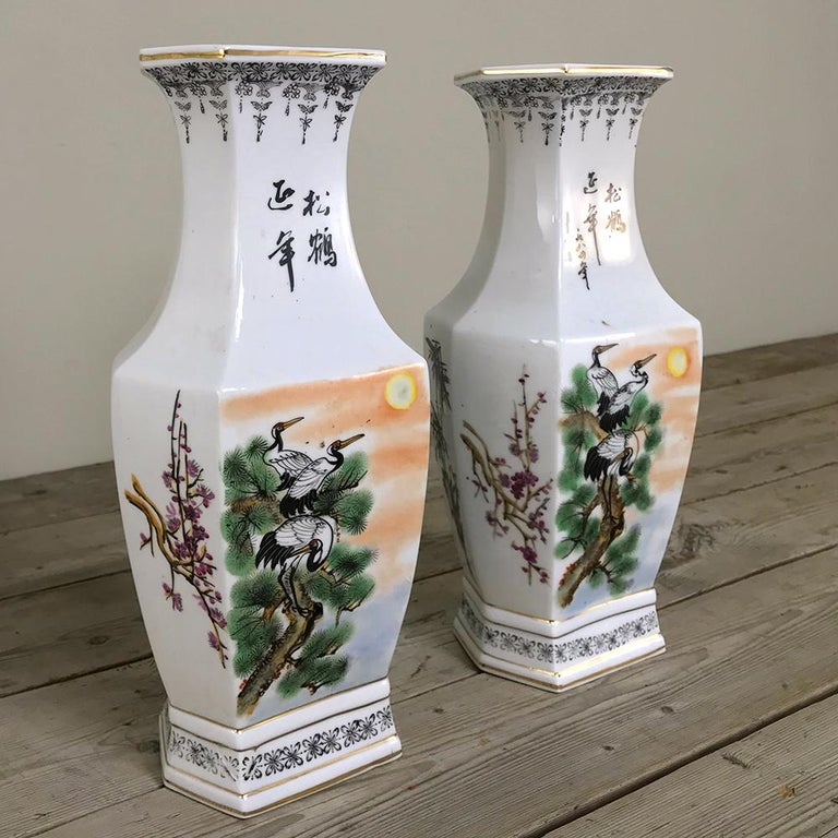 Chinese Export Pair of Antique Hand Painted Chinese Vases For Sale