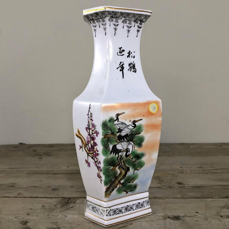 20th Century Pair of Antique Hand Painted Chinese Vases For Sale