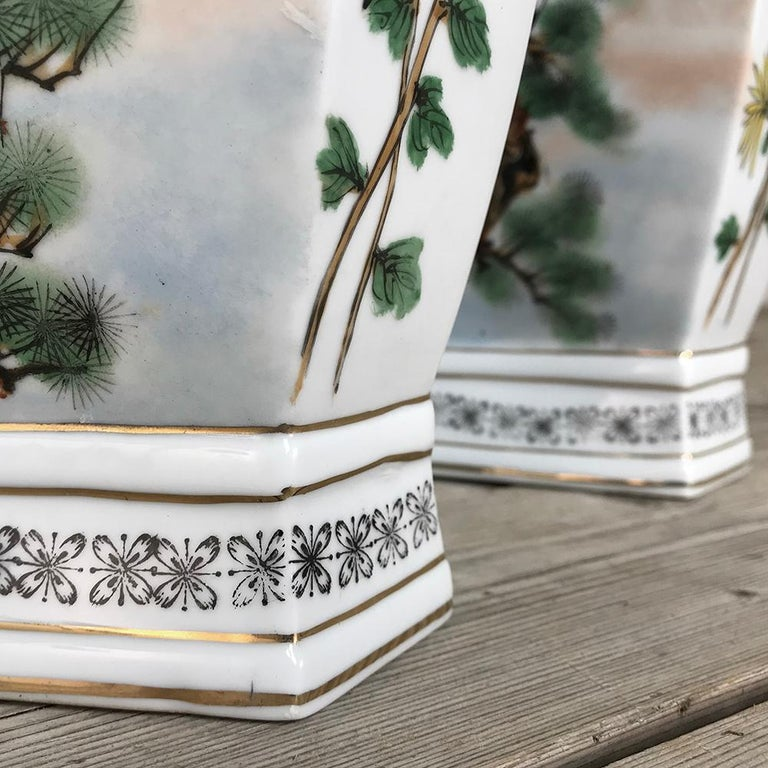 Pair of Antique Hand Painted Chinese Vases For Sale 2