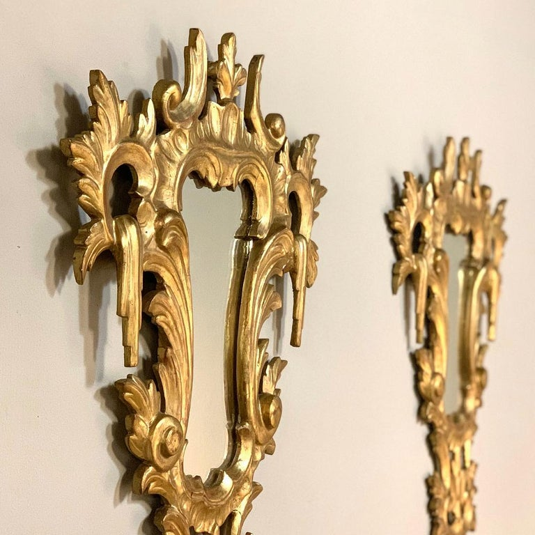 Pair of Antique Italian Baroque Carved Giltwood Mirrors For Sale 8