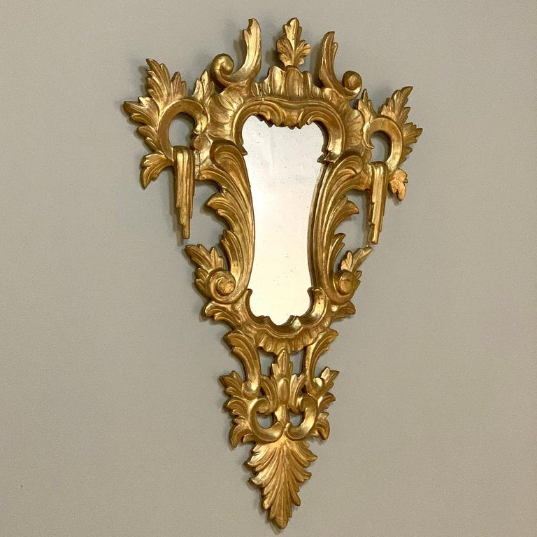 Pair of Antique Italian Baroque Carved Giltwood Mirrors For Sale 1