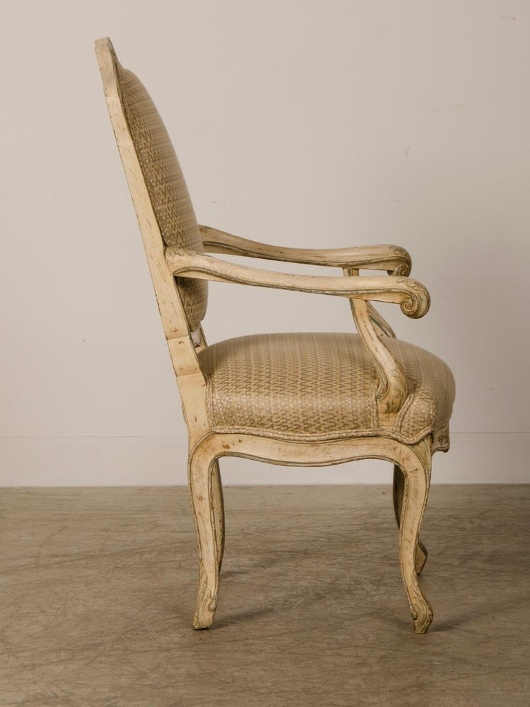Pair of Antique Italian Louis XV Period Painted Armchairs, circa 1770 In Good Condition For Sale In Houston, TX