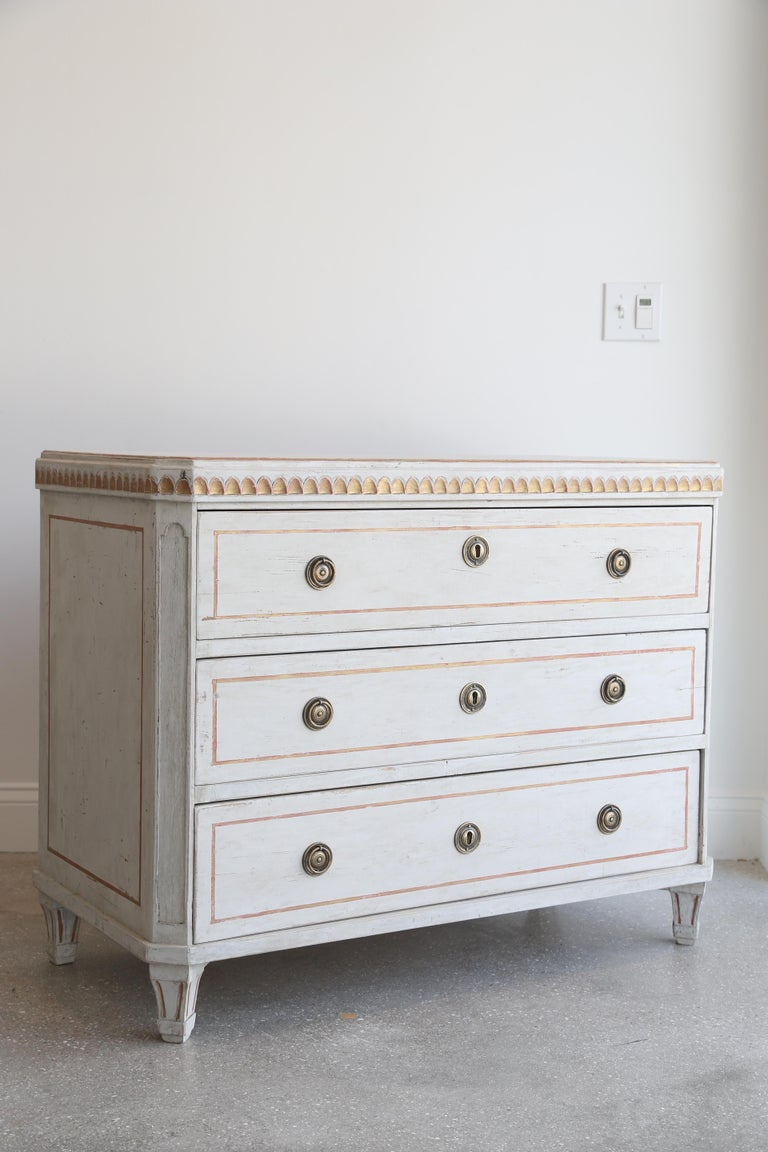 Pair of Antique Swedish Gustavian, Painted Chests Gold Leaf, Late 19th Century In Good Condition For Sale In West Palm Beach, FL
