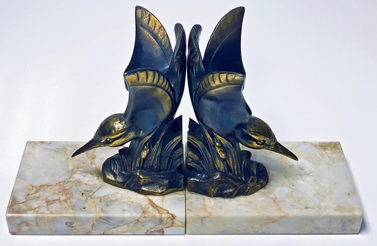 Pair of Art Deco Bronze Kingfisher Bookends, France, circa 1930 For Sale 1