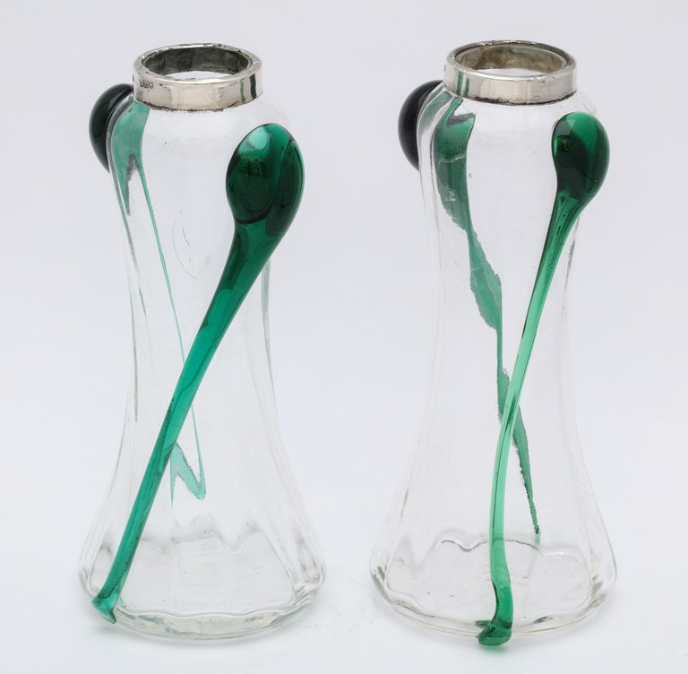 Art Nouveau Sterling Silver-Mounted Blown Green and Clear Glass Bud Vases, Pair In Good Condition For Sale In New York, NY