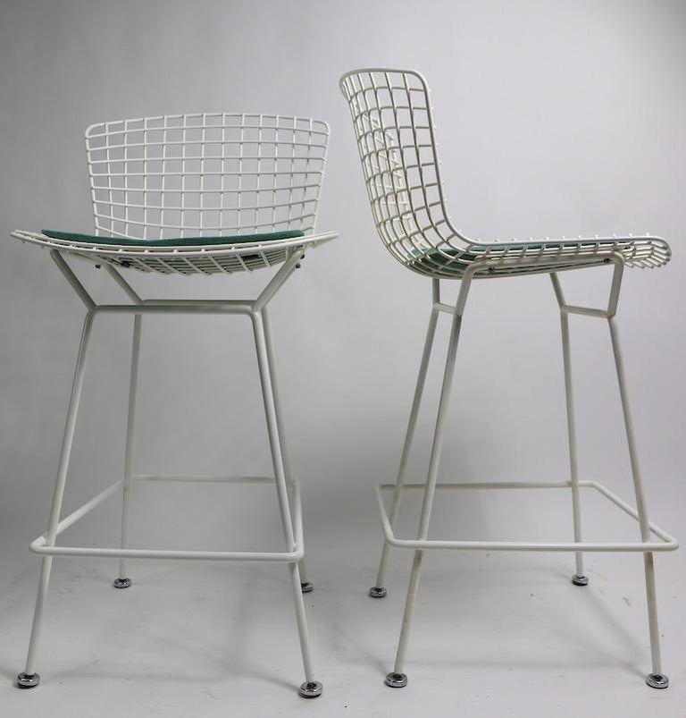 Pair of Bar Counter Stools by Bertoia for Knoll In Good Condition For Sale In New York, NY