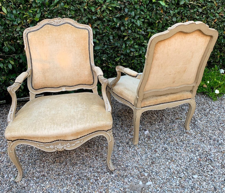 Velvet Pair of Bergere Fauteuil Chairs in the Style of Louis XV For Sale