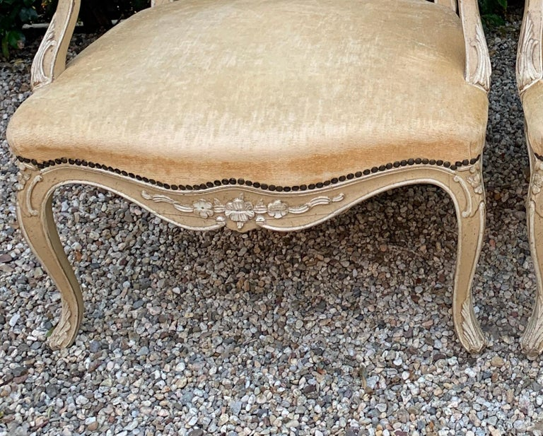 Pair of Bergere Fauteuil Chairs in the Style of Louis XV For Sale 2