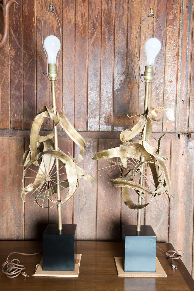 Pair of Bijan Brass Brutalist Lamps for Laurel In Good Condition For Sale In Stamford, CT