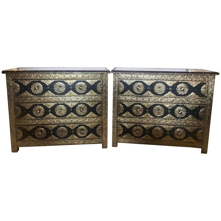 Brass & Ebony Palatial Hollywood Regency Style Commodes Chests Nightstands, Pair For Sale