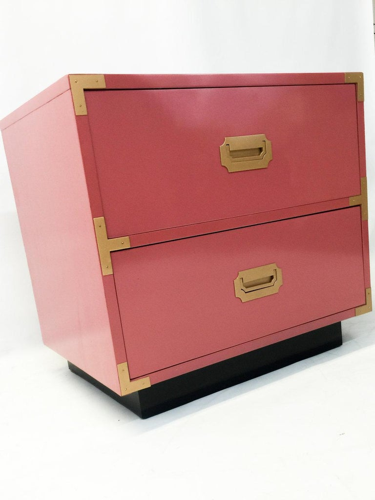 Late 20th Century Pair of Campaign Style Nightstands/Bedside Tables Lacquered in Pink For Sale