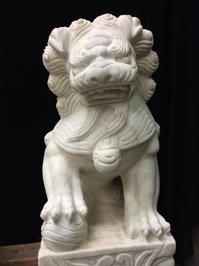 Pair Chinese Carved White Marble Fu Dogs In Good Condition For Sale In Cypress, CA