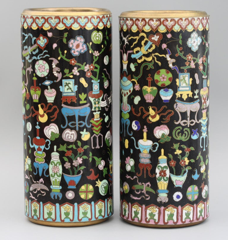 Pair of Chinese Cloisonné Cylindrical Precious Object Vases In Good Condition For Sale In Bishop's Stortford, Hertfordshire