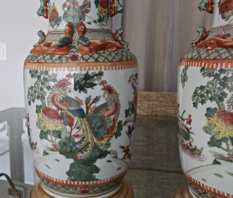 Pair of Chinese Rose Canton Peacocks Porcelain Vase Table Lamps For Sale 14