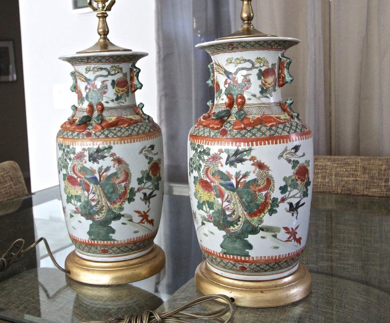 Pair of Chinese Rose Canton Peacocks Porcelain Vase Table Lamps For Sale 2