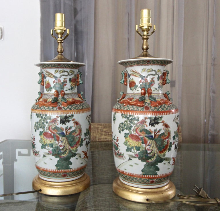 Pair of Chinese Rose Canton Peacocks Porcelain Vase Table Lamps For Sale 3