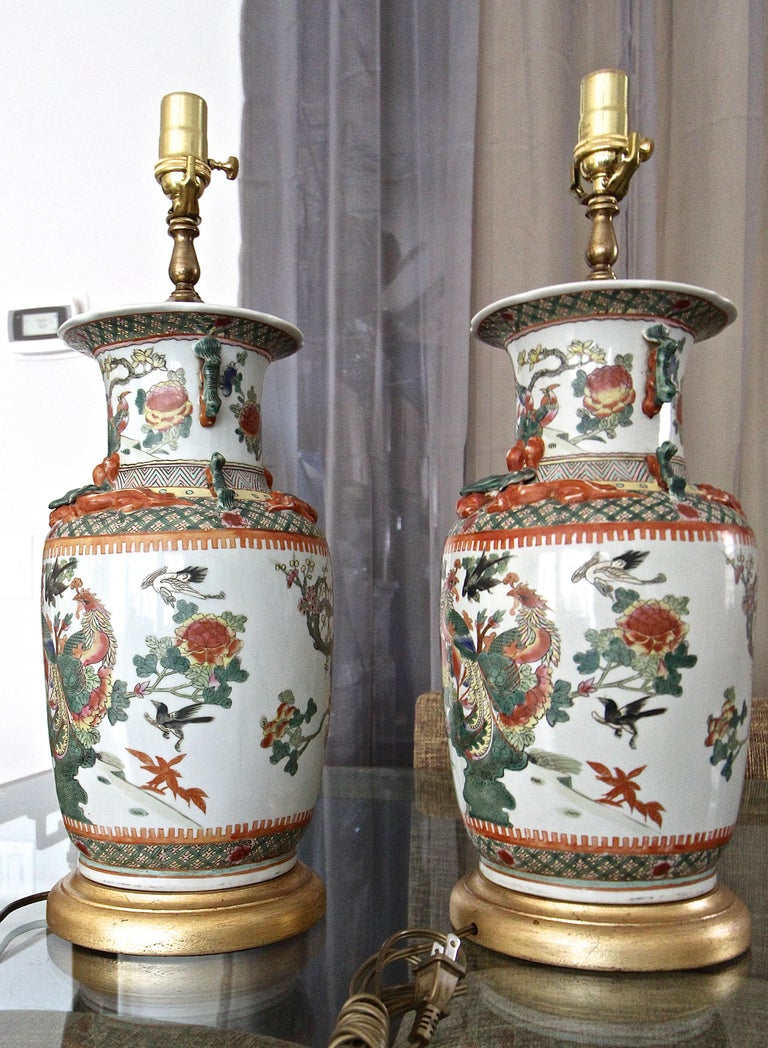 Pair of Chinese Rose Canton Peacocks Porcelain Vase Table Lamps For Sale 4