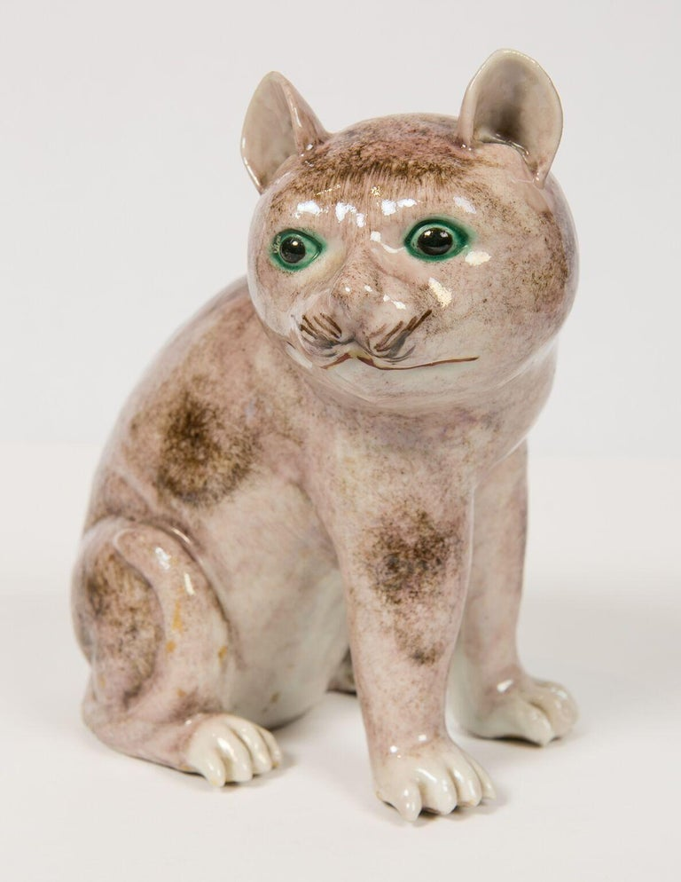 Pair of Chinese Stoneware Cats Qing Dynasty 19th Century In Excellent Condition For Sale In Katonah, NY