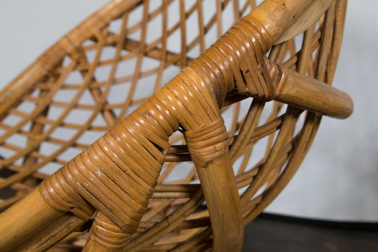 Pair of Circular Rattan Saucer Chairs In Good Condition For Sale In Stamford, CT