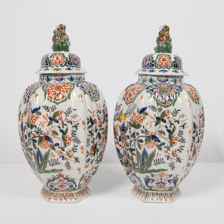 Pair of Colorful 19th Century Dutch Delft Jars Made, circa 1880 For Sale 2