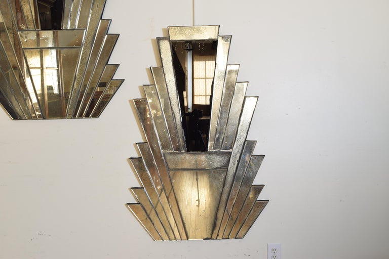 Pair of Continental Art Deco Wall Mirrors, Second Quarter of the 20th Century In Good Condition In Atlanta, GA