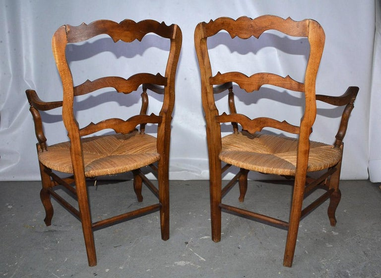 Wood Pair of Country Louis XV Style Ladder Back Armchairs For Sale