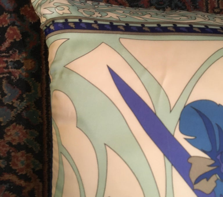 Pair of Custom Vintage Silk Emilio Pucci Pillows In Good Condition For Sale In Seattle, WA