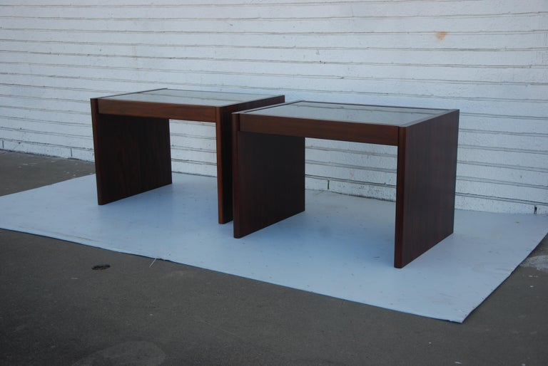 Pair of Danish Modern Rosewood End Tables by Komfort In Good Condition For Sale In Pasadena, TX