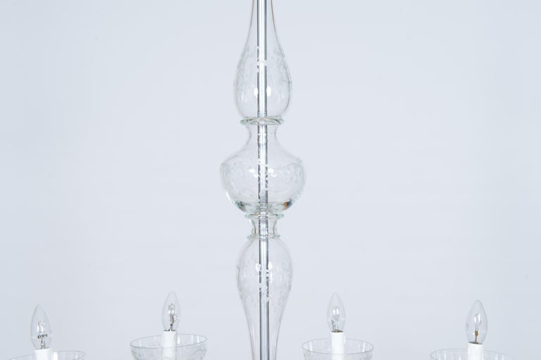Pair of Deco Chandeliers Hand Carved Clear Color in Blown Murano Glass, Italy For Sale 6