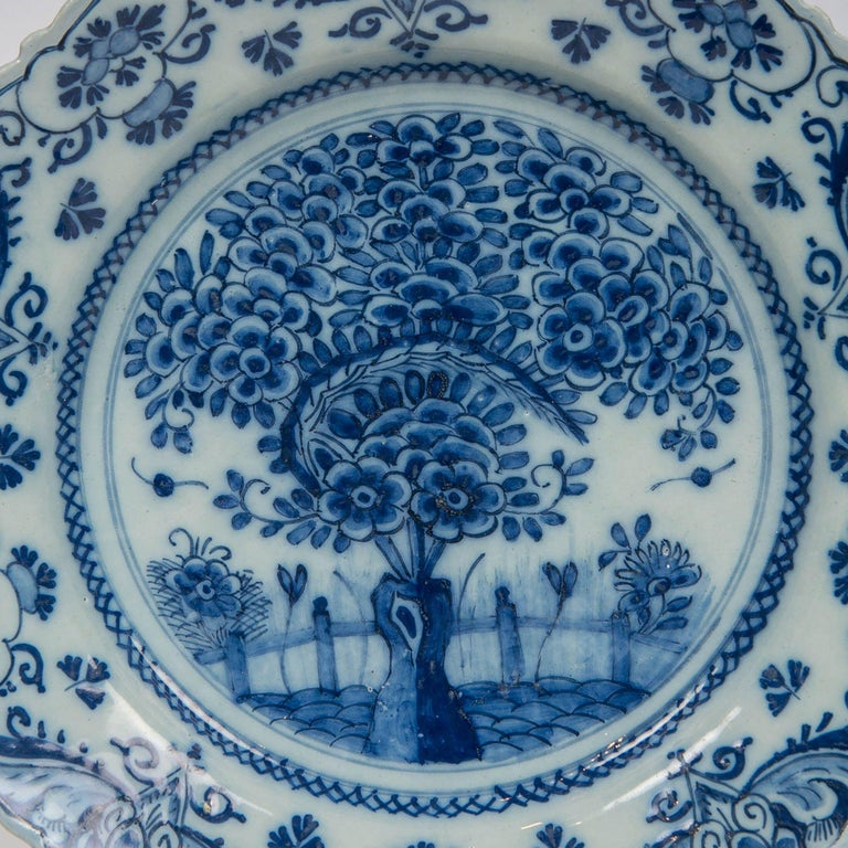 Hand-Painted Pair of Delft Blue and White Chargers in the Theeboom Pattern Made circa 1770 For Sale