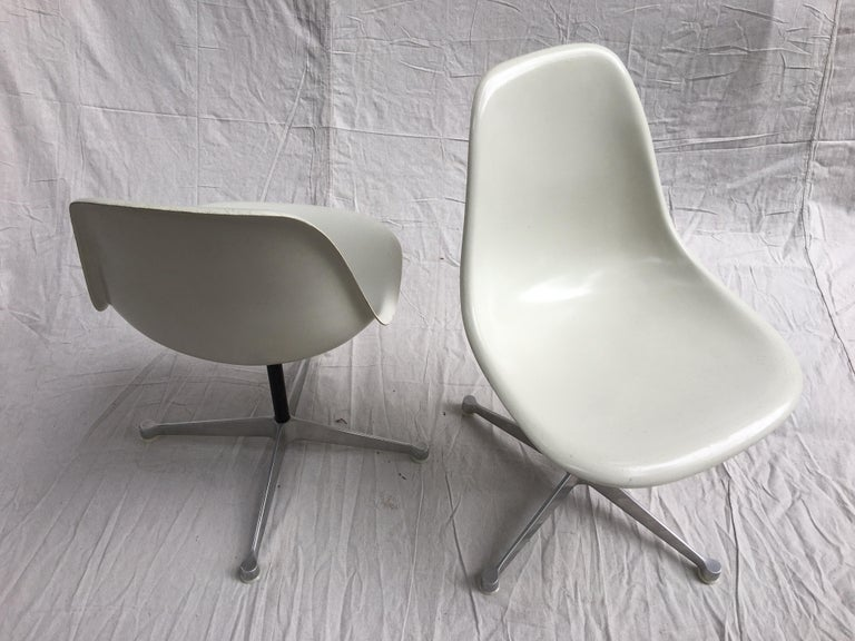 Pair of Eames for Herman Miller Fiberglass Chairs For Sale 2