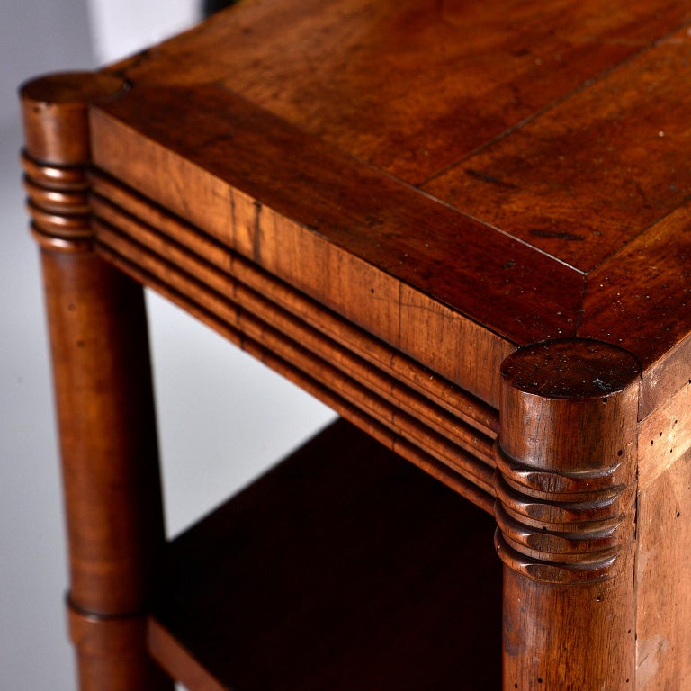 Pair of Early 20th Century Italian Walnut Étagères In Good Condition For Sale In Troy, MI