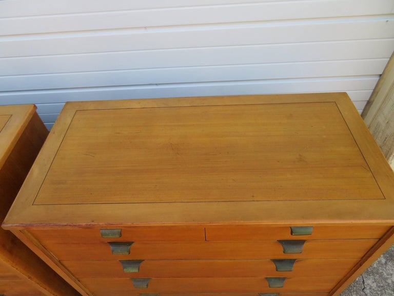 Pair of Edward Wormley Precedent Bachelor Chest Dressers, Mid-Century Modern In Good Condition For Sale In Pemberton, NJ
