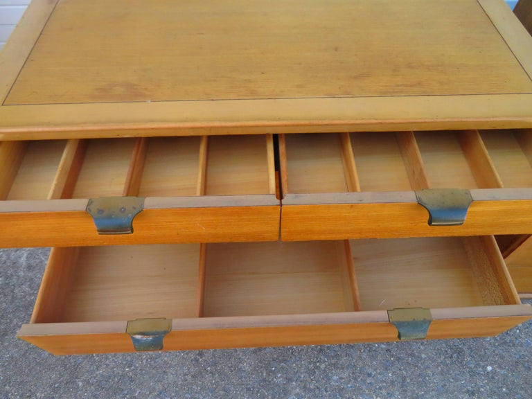 Mid-20th Century Pair of Edward Wormley Precedent Bachelor Chest Dressers, Mid-Century Modern For Sale