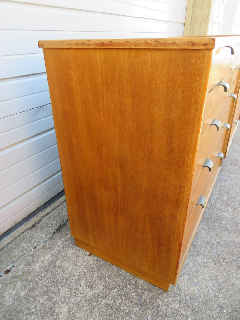 Pair of Edward Wormley Precedent Bachelor Chest Dressers, Mid-Century Modern For Sale 2