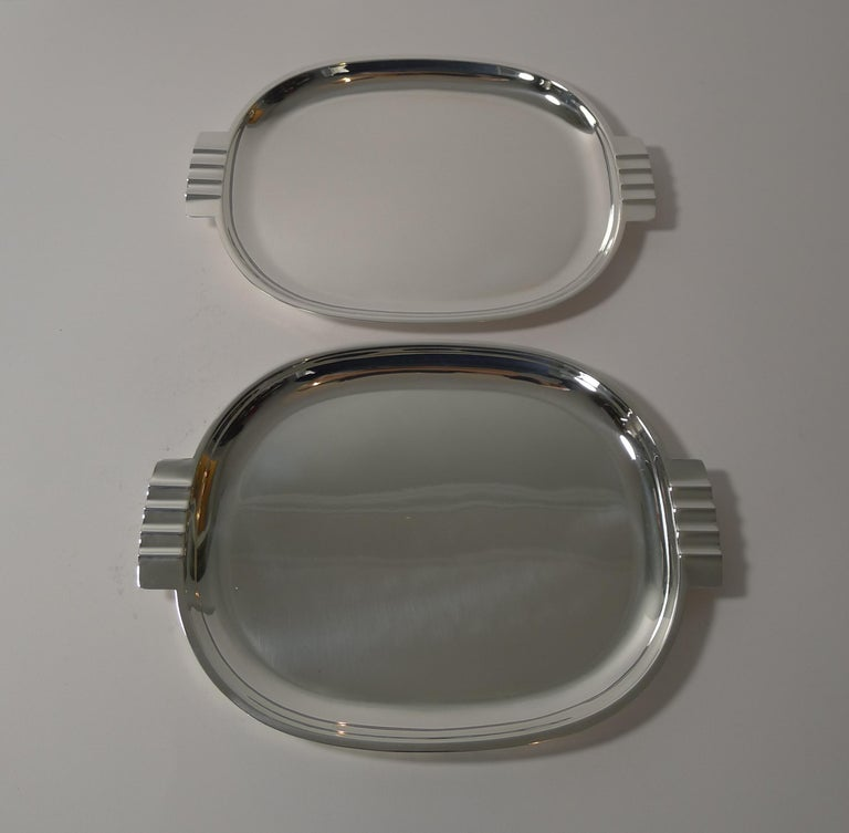A fabulous pair of vintage silver plated cocktail / hors d'oeuvres dishes in a stunning Art Deco design, about as stylish as they come.