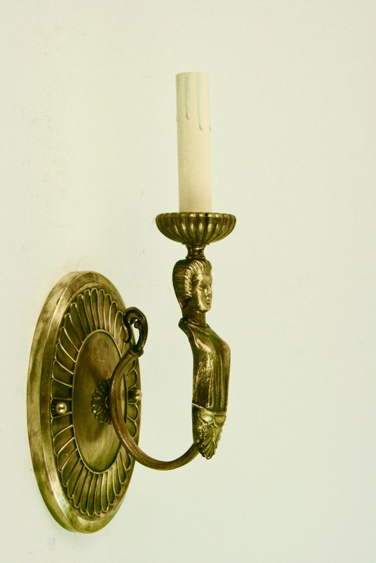 Pair of Figural Brass Sconce In Good Condition For Sale In Douglas Manor, NY
